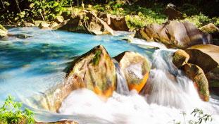Magia de cuento de hadas: el río Celeste de Costa Rica
